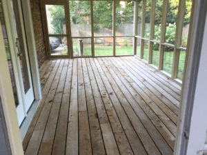 screen-porch-after-power-washing