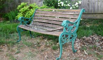 iron garden bench before restoration